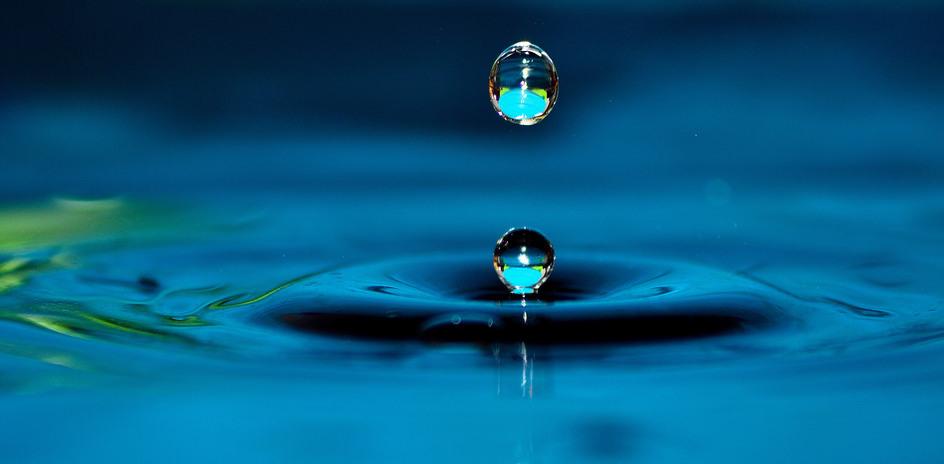 drops of splash water